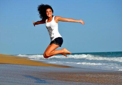 fitness_jump_health_woman_girl_healthy_fit_sportive-1103572.jpg!d